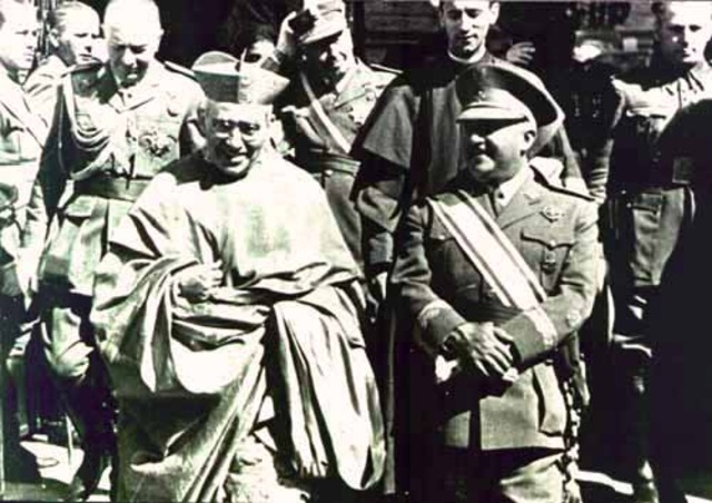 El cardenal Segura regresa de incógnito y es expulsado