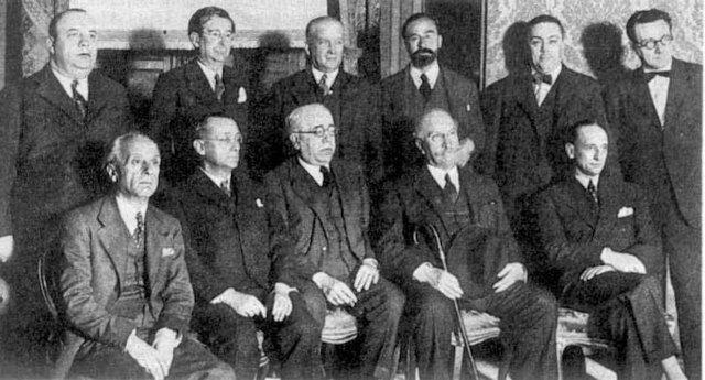 formación del gobierno Giral; el gobierno apela a Francia; Franco envia emisarios a Italia y Alemania.