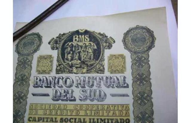 Primer banco mutual