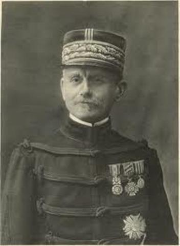 El general Maunoury sufre el ataque alemán