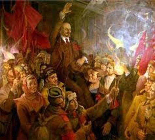 Lenin entra en Petrogrado