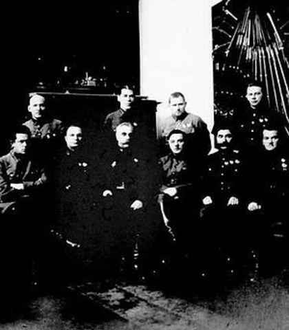 Creación del Comité Militar-Revolucionario