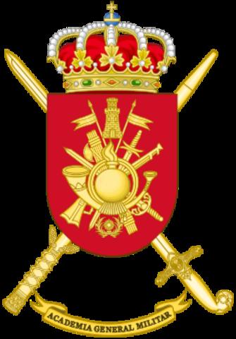 Azaña, ministro de la Guerra, decreta el cierre de la Academia Militar de Zaragoza, cuyo director era el general Franco.