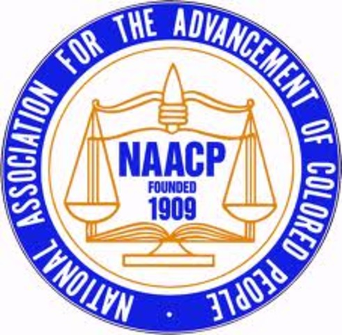The NAACP is founded.