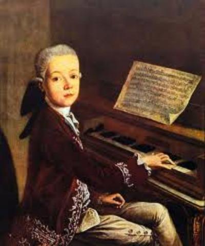 Wolfgang Amadeus Mozart comenzó a componer minuetos a los cinco años.