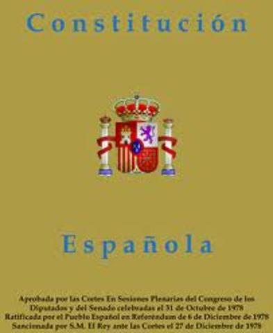 Las Cortes aprueban la Constitución por 368 votos favorables y 38 en contra.