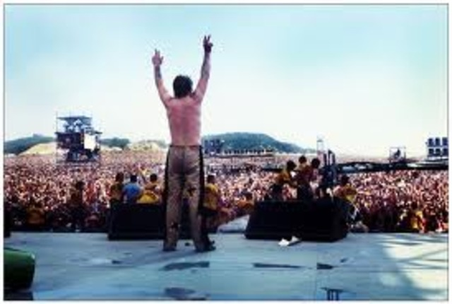 Ozzy performs at the US Festival in front of 250,000 fans
