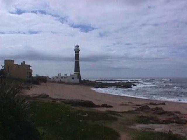 Uruguay y China firmarán acuerdo para concretar puerto de aguas profundas