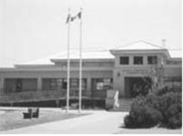 Hamilton Elementary School opens
