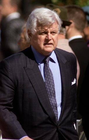 Sen. Ted Kennedy dies