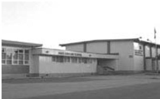 Whiteside (nee Mort) Elementary School opens