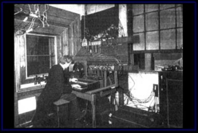 Telharmonium invented