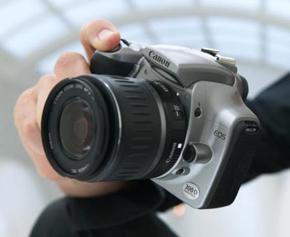 The Digital Camera Evolves - Canon EOS Digital Rebel D300