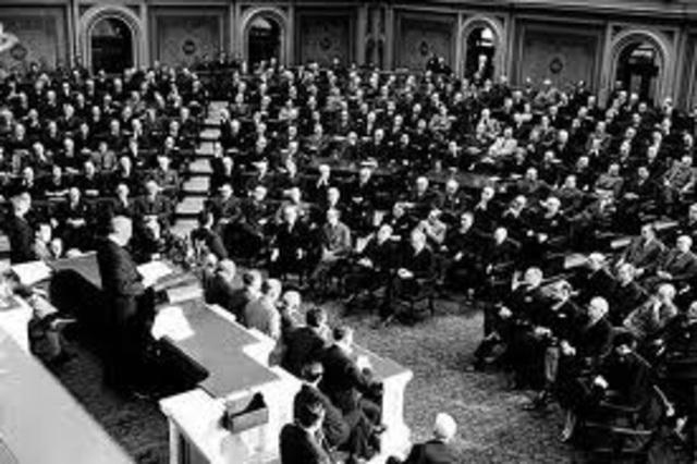 Roosevelt calls for social insurance