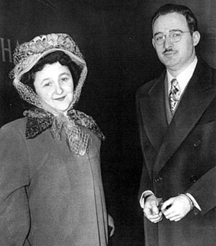 Julius and Ethel Rosenberg sentenced to DEATH! (VUS.13b)