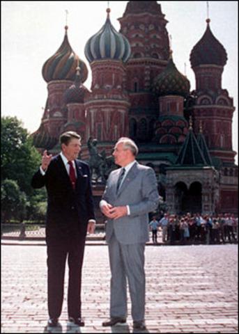 Reagan visits Moscow (VUS.13d)