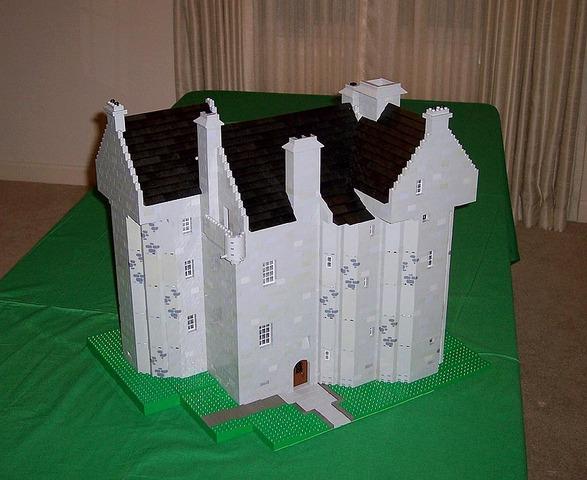 Claypotts Tower