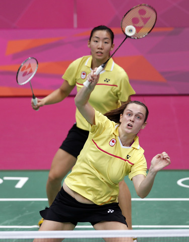 Canadian badminton pair to play for bronze