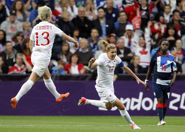 Canadian women advance to soccer semis