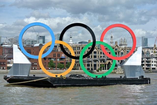 Olympiska spelen i London invigs