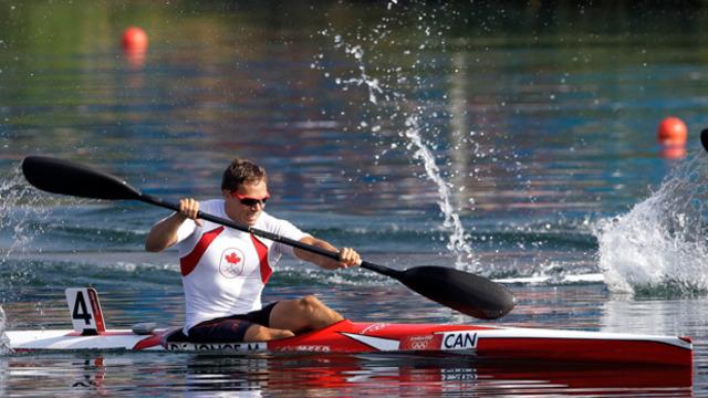 De Jonge, Cochrane/Fournel advance to kayak finals