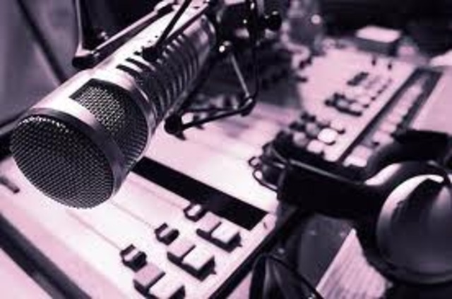 radio como medio de comunicacion