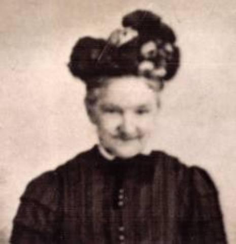 Lady Ada Augusta Lovelace sugirió la idea de que las tarjetas perforadas