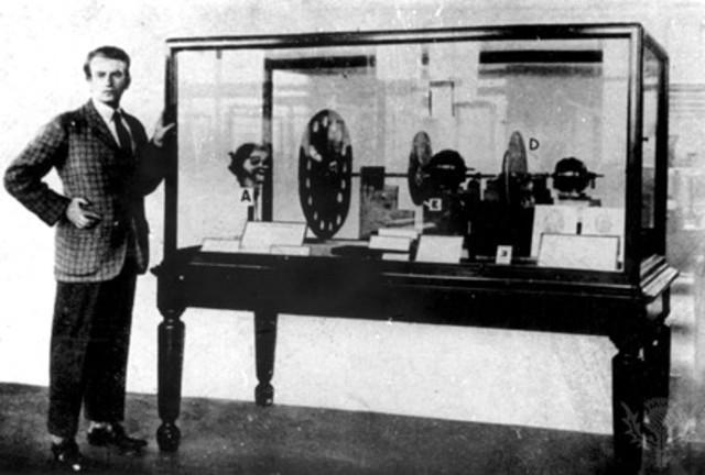Primera demostraciónn de un sistema de televisión