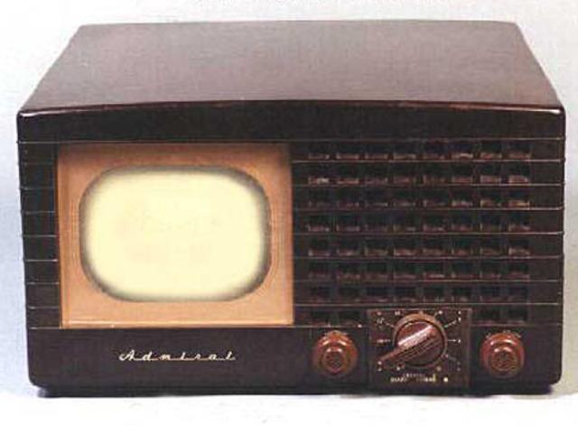 Primer sistema de cable e Incremento del 500 % en la producción de televisores