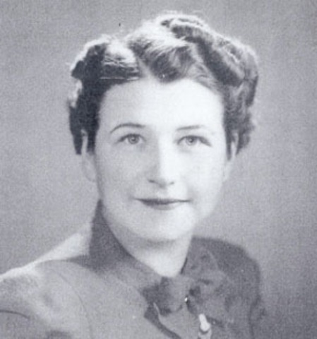 Ruth Wakefield invents chocolate chip cookies