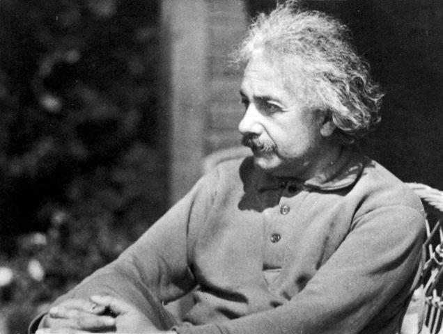 Albert Einstein (1915AD)