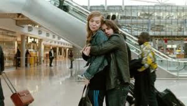 Nadine und Zinos im der Flughafen