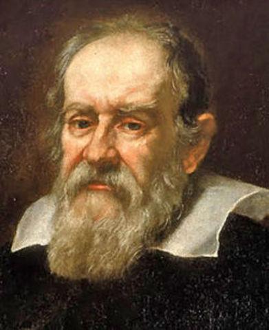 Galileo Galilei observes Mars' phases