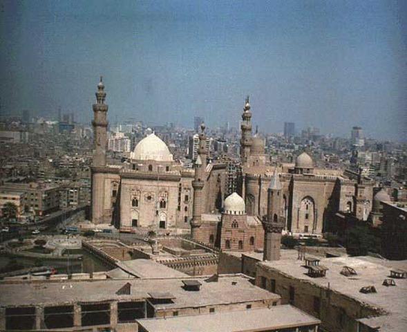 Cairo becomes center of Muslim world.