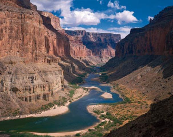 Juan de Onate leads a expedition to the Colorado River