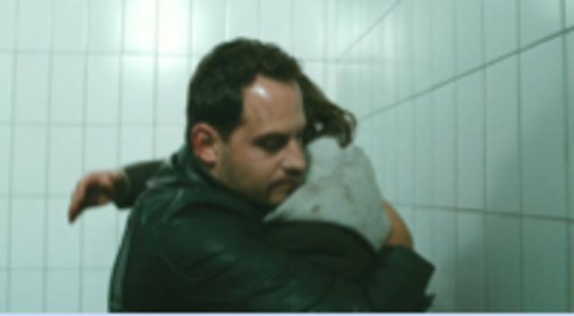 Zinos und Elias im Gefängnis