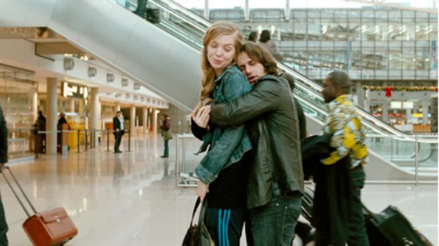 Nadine und Zinos am Flughafen