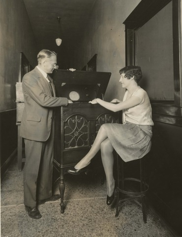 In 1929, the television set that we use today was nvented.