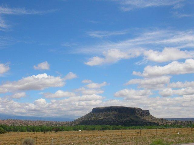 Pueblos Lands Act .