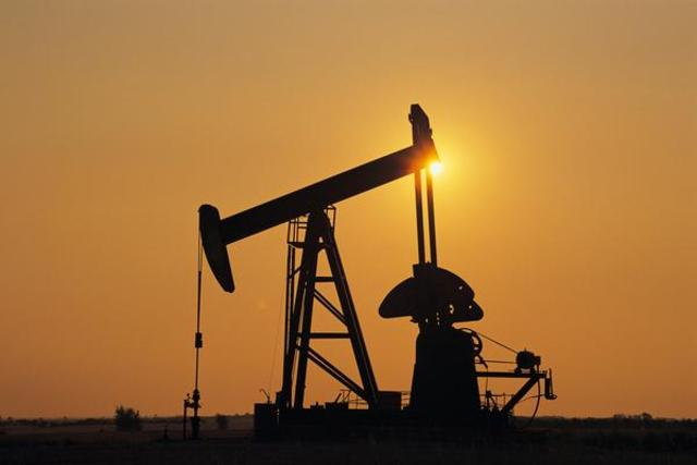 Oil is discovered at Hobbs