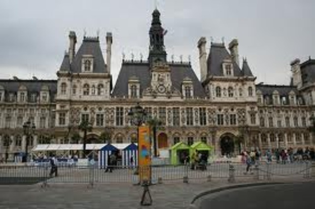 French Government Goes Bankrupt