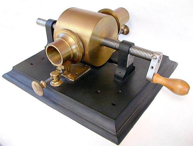 thomas edison invented the phonograph