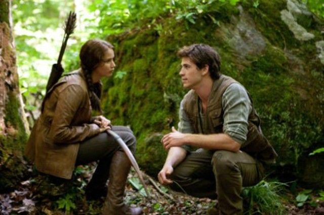 Katniss and Gale go hunting