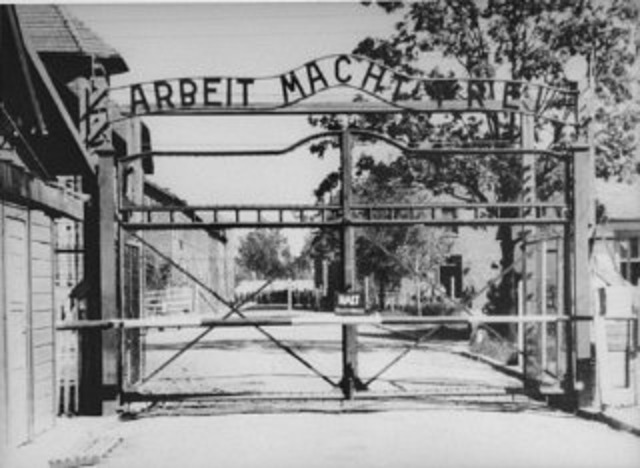 Dutch Jews deported to Auschwitz