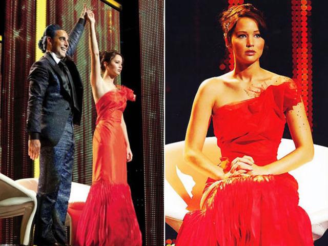 Katniss has her individual interveiw with Caesar Flickerman