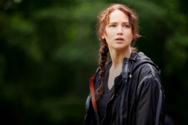 Katniss tries to get to the end of the arena