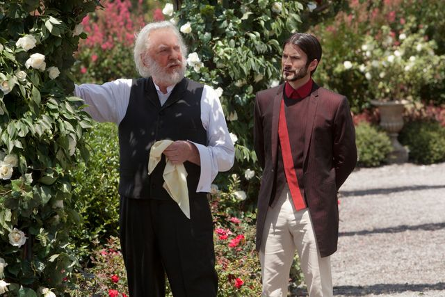 Seneca Crane talks President Snow into allowing 2 winners from the smae district.