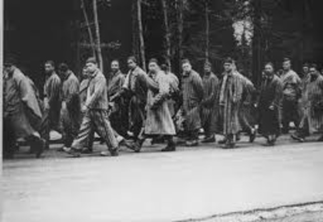 Nazis conduct death marches