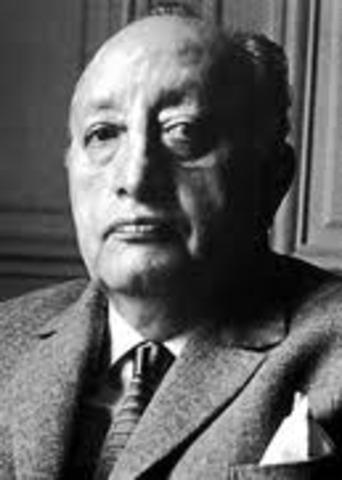 Nace Miguel Ángel Asturias