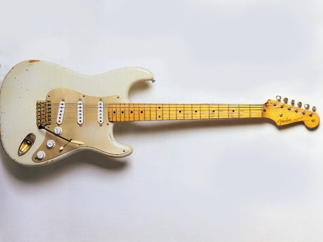 The Stratocaster is invented